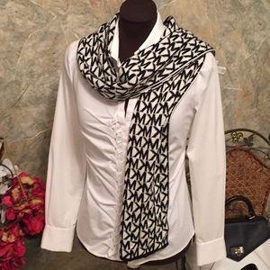 Michael Kors 🌹 reversible Classic signature scarf